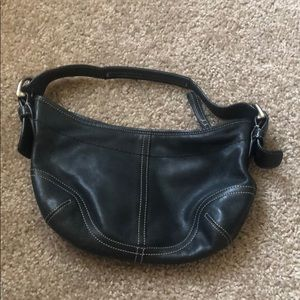 EASY TO CARRY COACH PURSE